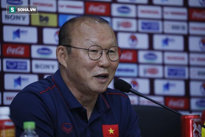 FIFA dành sự chú ý cho Việt Nam, tin vào sự trỗi dậy của những kẻ bám đuổi - Ảnh 1.