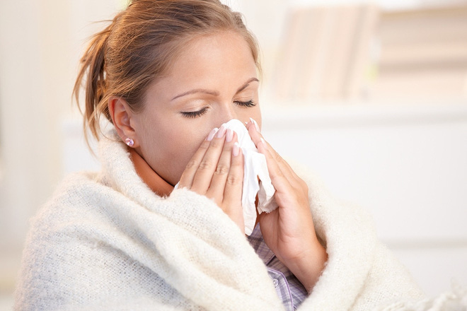 Mùa cảm cúm lộng hành: Có phải triệu chứng nào cũng cần uống thuốc kháng sinh? - Ảnh 2.