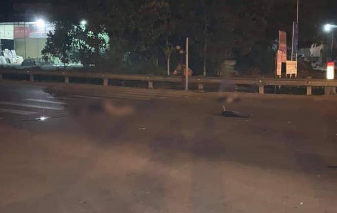 Đi liên hoan bạn, 3 thanh niên thương vong khi chạy xe máy va chạm với xe tải - Ảnh 2.