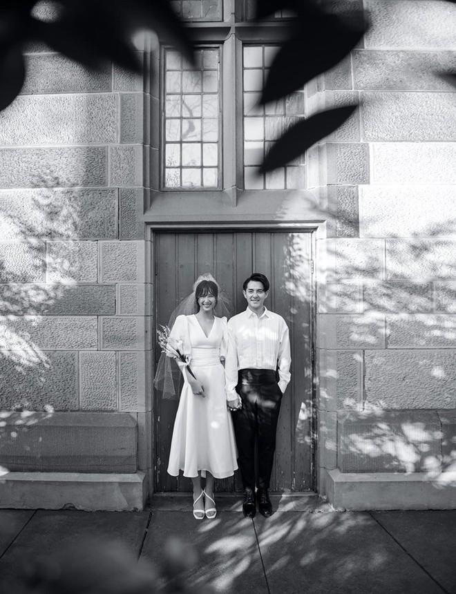 Chuyện khó tin sau bộ ảnh cưới ngọt ngào của thiếu gia tập đoàn nhựa và ca sĩ Đông Nhi - Ảnh 12.