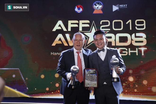 Tuyển Việt Nam, HLV Park Hang-seo và Quang Hải cùng tỏa sáng ở lễ trao giải AFF Awards - Ảnh 2.