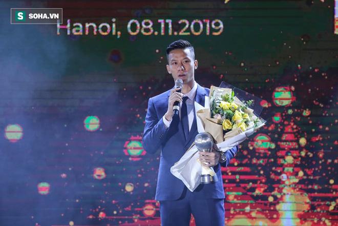 Tuyển Việt Nam, HLV Park Hang-seo và Quang Hải cùng tỏa sáng ở lễ trao giải AFF Awards - Ảnh 1.