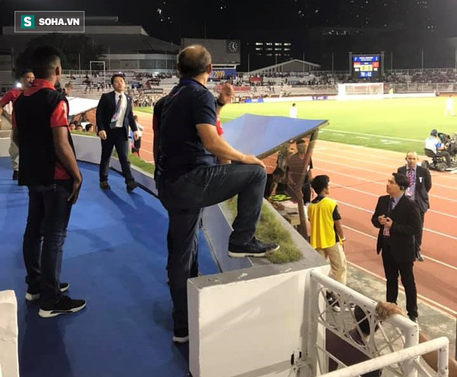 Đại diện BTC xin lỗi thầy Park sau vụ việc ồn ào vì tấm thẻ đỏ ở trận chung kết SEA Games - Ảnh 1.