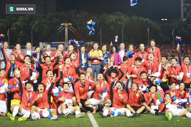 U22 Việt Nam xô đổ nhiều kỷ lục sau chức vô địch SEA Games - Ảnh 2.
