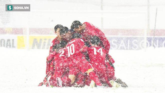 AFC chọn cầu vồng trong tuyết của Quang Hải vào top 8 bàn thắng mang tính biểu tượng - Ảnh 2.