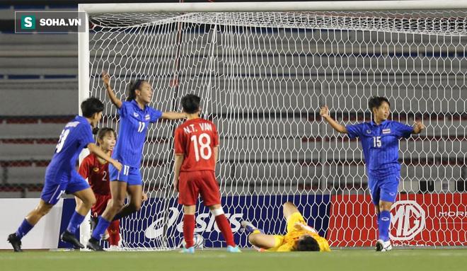 Từ chối bàn thắng của Thái Lan, nữ trọng tài người Australia được fan Việt khen hết lời - Ảnh 3.