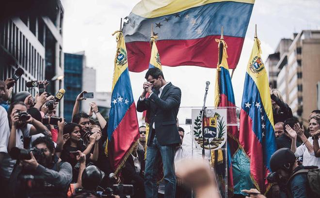 """Venezuela căng thẳng: Ông Guaido không loại trừ trường hợp """"nhận viện trợ quân sự từ Mỹ"""""""
