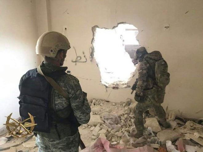 Lính đánh thuê Nga tiếp tục huấn luyện quân địa phương Syria - Ảnh 1.