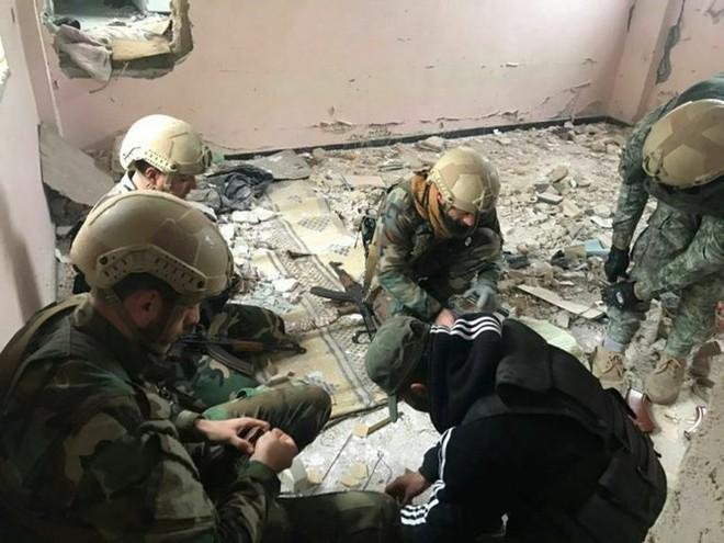 Lính đánh thuê Nga tiếp tục huấn luyện quân địa phương Syria - Ảnh 3.
