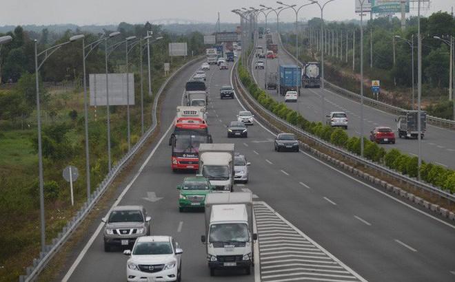 Luật sư: VEC từ chối phục vụ vĩnh viễn 2 ô tô trên đường cao tốc là vô lý, trái pháp luật