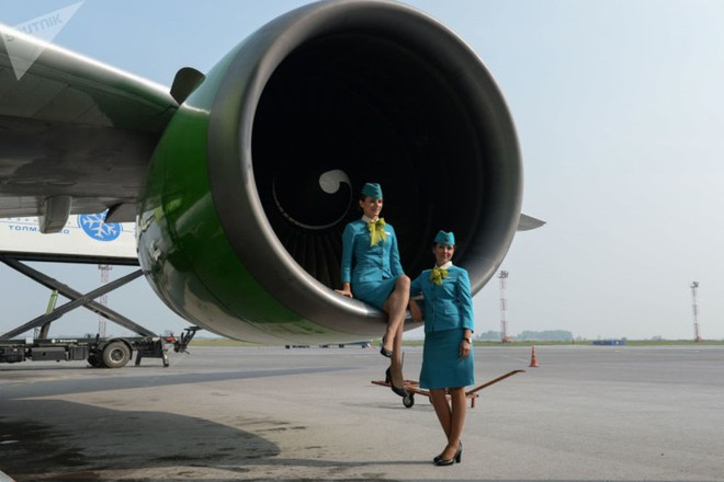 Ảnh: Nhan sắc ngọt ngào của các nữ tiếp viên hàng không Nga và Xô viết - Ảnh 2.