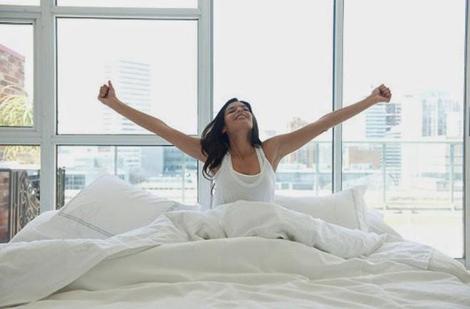 Món quà tuyệt vời chỉ dành cho những người dậy sớm: Biết điều này bạn sẽ không dậy muộn - Ảnh 2.