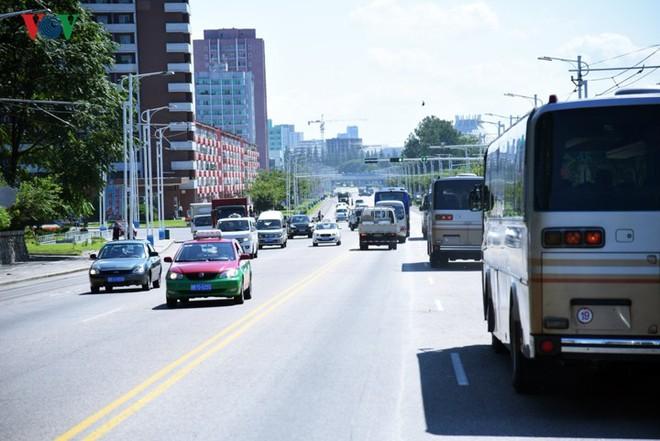 Ngỡ ngàng với mạng lưới giao thông đồng bộ ở Bình Nhưỡng (Triều Tiên) - Ảnh 1.