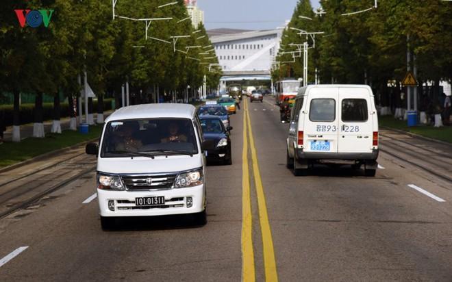 Ngỡ ngàng với mạng lưới giao thông đồng bộ ở Bình Nhưỡng (Triều Tiên) - Ảnh 2.