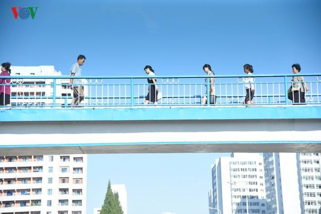 Ngỡ ngàng với mạng lưới giao thông đồng bộ ở Bình Nhưỡng (Triều Tiên) - Ảnh 11.