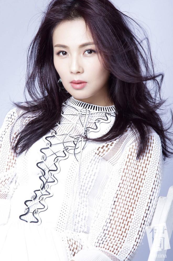 Cuộc sống làm dâu của sao nữ châu Á lấy nhà tài phiệt lừng danh: Đầy thị phi, đáng bội phục nhất là người cuối - Ảnh 13.