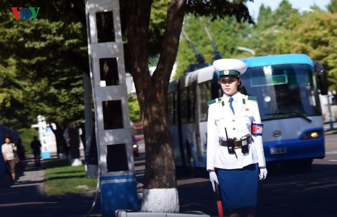 Ngỡ ngàng với mạng lưới giao thông đồng bộ ở Bình Nhưỡng (Triều Tiên) - Ảnh 13.