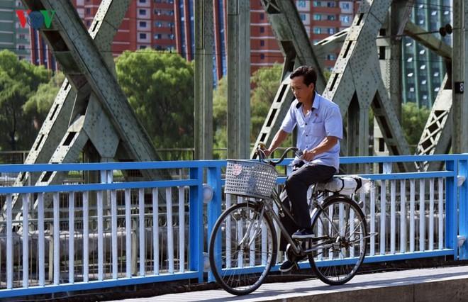 Ngỡ ngàng với mạng lưới giao thông đồng bộ ở Bình Nhưỡng (Triều Tiên) - Ảnh 14.