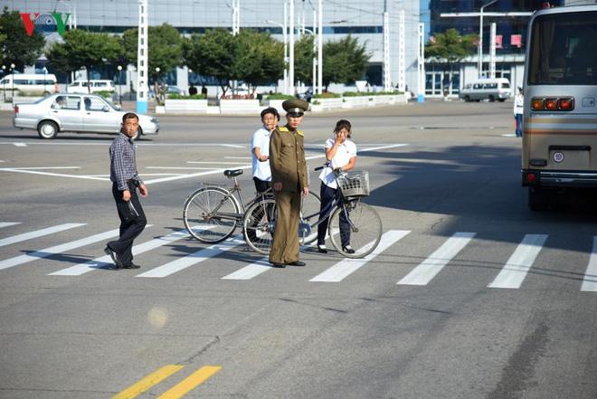 Ngỡ ngàng với mạng lưới giao thông đồng bộ ở Bình Nhưỡng (Triều Tiên) - Ảnh 15.
