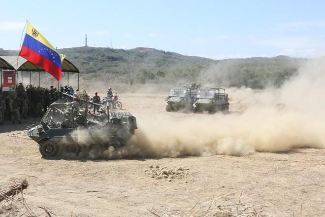 Bị Mỹ đe dọa tấn công, Venezuela tổ chức tập trận khủng nhất trong 200 năm - Ảnh 3.