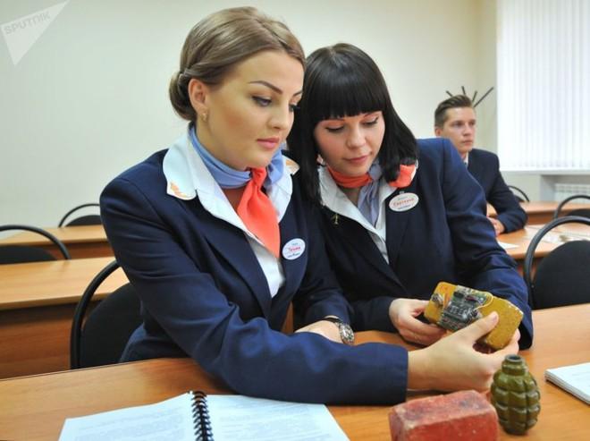 Ảnh: Nhan sắc ngọt ngào của các nữ tiếp viên hàng không Nga và Xô viết - Ảnh 5.