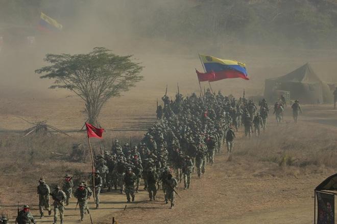 Bị Mỹ đe dọa tấn công, Venezuela tổ chức tập trận khủng nhất trong 200 năm - Ảnh 4.