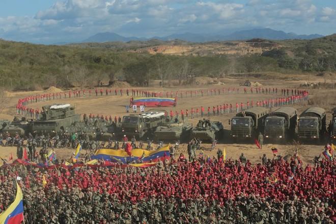 Bị Mỹ đe dọa tấn công, Venezuela tổ chức tập trận khủng nhất trong 200 năm - Ảnh 5.