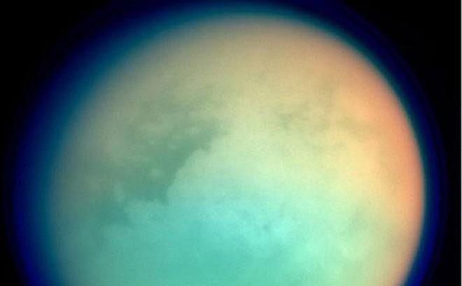 """6 thiên thể sở hữu """"vật liệu sự sống"""" ngay trong Hệ Mặt Trời"""
