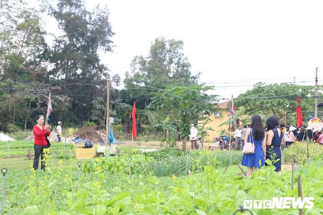 Độc đáo lễ hội Cầu Bông ở làng rau sạch lớn nhất miền Trung - Ảnh 6.