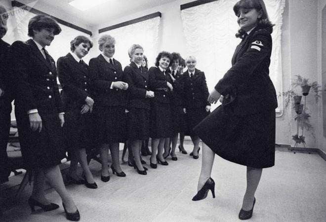 Ảnh: Nhan sắc ngọt ngào của các nữ tiếp viên hàng không Nga và Xô viết - Ảnh 7.