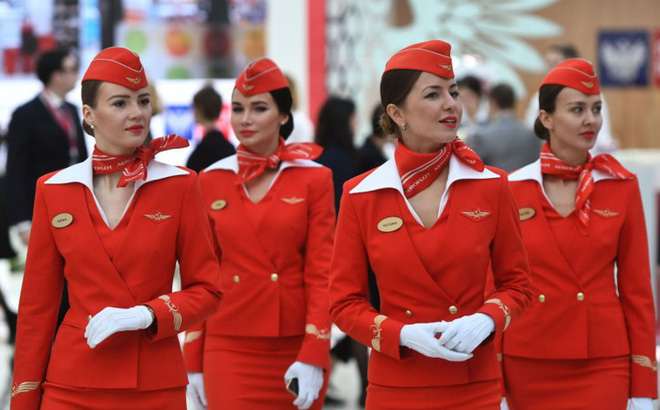 Nhan sắc ngọt ngào của các nữ tiếp viên hàng không Nga và Xô viết