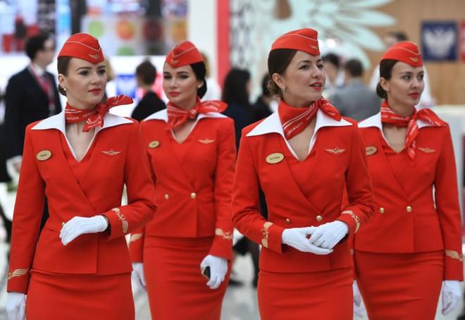 Ảnh: Nhan sắc ngọt ngào của các nữ tiếp viên hàng không Nga và Xô viết - Ảnh 9.