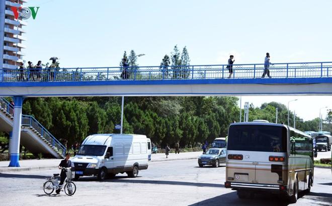 Ngỡ ngàng với mạng lưới giao thông đồng bộ ở Bình Nhưỡng (Triều Tiên) - Ảnh 10.