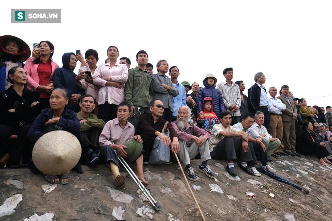 Phó Thủ tướng mặc áo nâu xuống ruộng dắt trâu đi cày ở lễ hội Tịch Điền - Ảnh 3.