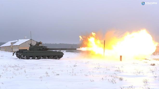 Bản nâng cấp cực mạnh của T-64B Ukraine có thể khiến T-72B3 Nga phải ôm hận - Ảnh 2.