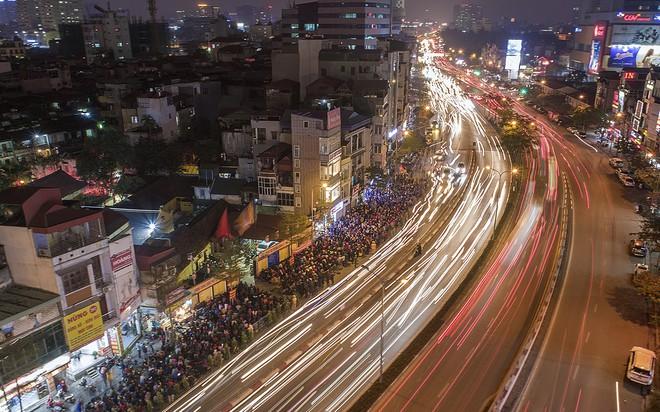 Hàng nghìn người chen chân dâng sớ cúng giải hạn sao La Hầu tại chùa Phúc Khánh - ảnh 13