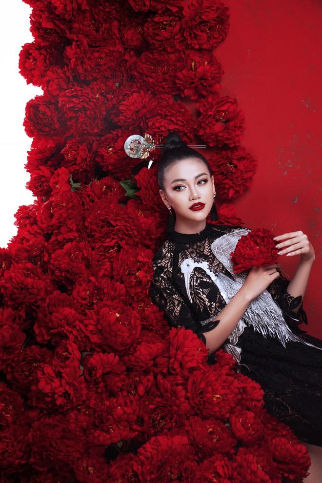 Hoa hậu Trái đất Phương Khánh khoe vai trần quyến rũ - ảnh 7