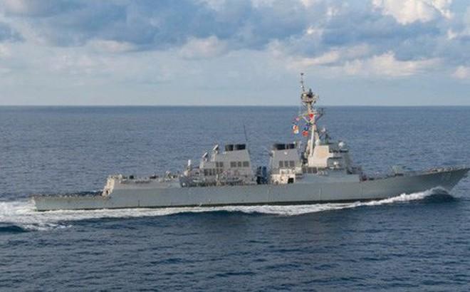"""Trung Quốc """"kịch liệt phản đối"""" Mỹ điều 2 tàu chiến ra Biển Đông"""