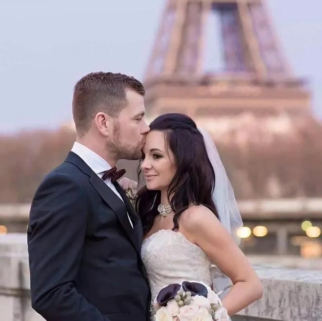 Cuộc tình nhanh hơn tốc độ tên lửa: Yêu 6 tuần cầu hôn, 5 tháng đám cưới, 1 năm sau đã kịp có 3 con - Ảnh 5.