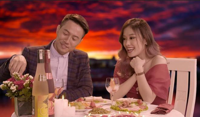 Học các chàng trai Tây Ban Nha làm bữa tối 2 món thiết đãi nàng dịp Valentine - Ảnh 1.