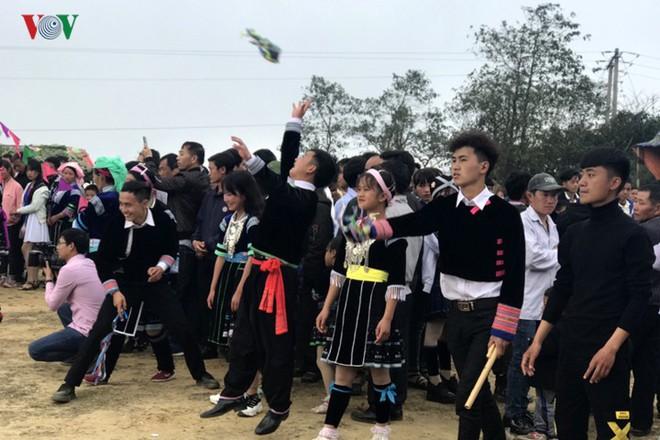 Tưng bừng sắc xuân trong lễ hội Gầu Tào - Ảnh 12.