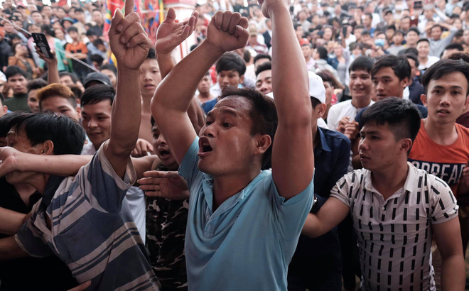 Cấm cướp phết Hiền Quan, nhiều thanh niên tập trung ở miếu thờ làm loạn