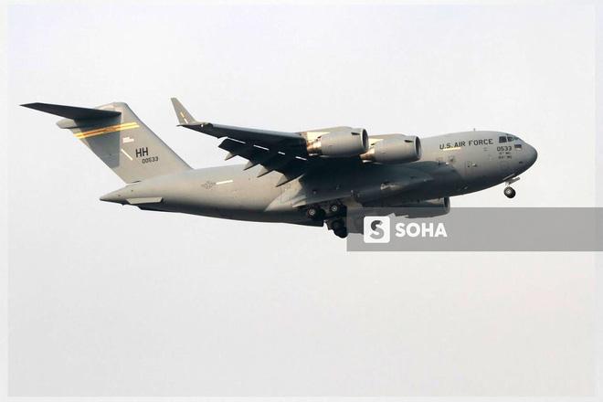 Vận tải cơ C-17 Globemaster III của Không quân Mỹ hai lần hạ cánh tại Đà Nẵng - Ảnh 2.