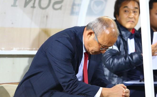 Từ lời than thở của thầy Park, đừng để bóng đá Việt Nam lâm cảnh