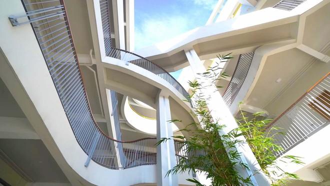 Ngôi trường đầy màu sắc có lối kiến trúc độc đáo bậc nhất Việt Nam - Ảnh 6.