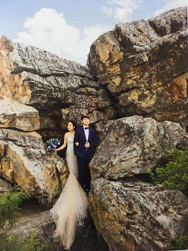 Album cưới trao tay, cô dâu Hải Phòng rùng mình phát hiện dấu vết của người lạ chiếm trọn spotlight bộ ảnh để đời của mình - Ảnh 1.