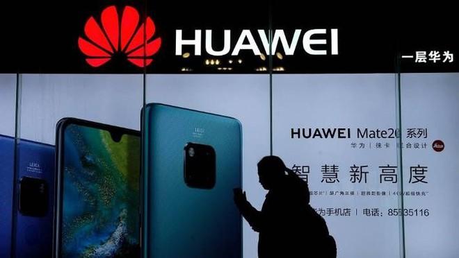 Mỹ đã và đang kiềm tỏa Huawei như thế nào? - Ảnh 1.