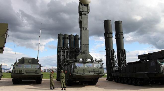 Phòng không Syria sắp kết thúc huấn luyện, sẵn sàng ngắm bắn tên lửa S-300! - Ảnh 1.