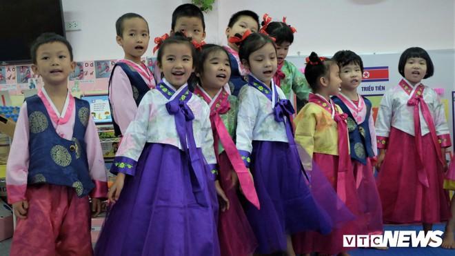 Ảnh: Ngôi trường biểu tượng của mối quan hệ Việt Nam - Triều Tiên - Ảnh 2.