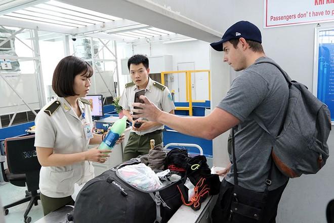 Bên trong khu an ninh sân bay Nội Bài trước thượng đỉnh Mỹ - Triều - Ảnh 9.
